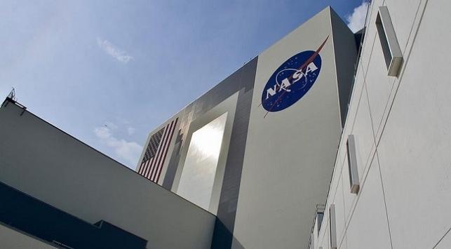 NASAdan koronavirüs tedbirleri... NASA Ay roketi çalışmalarını askıya alıyor