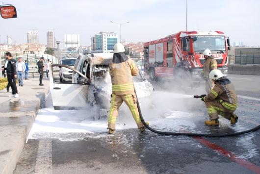 Üsküdarda araç yangını