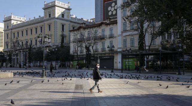 Yunanistanda sokağa çıkma yasağı getirildi