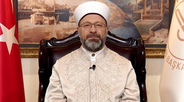 Ali Erbaş: Yatsı ezanı sonrası camilerimizden dua sesleri yükselecek