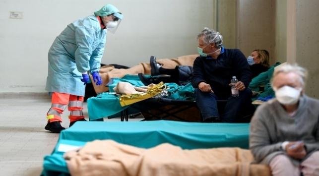 İtalyaya tıbbi malzeme yardımı sürüyor