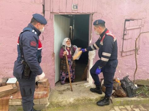 Jandarmadan 65 yaş üstü vatandaşlara evde destek uygulaması