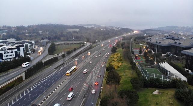 İstanbulun pazartesi trafiğine koronavirüs etkisi