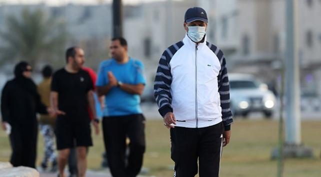 Suudi Arabistanda koronavirüs nedeniyle kısmi sokağa çıkma yasağı