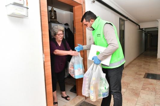 Mamak Belediyesinden yaşlılara alışveriş desteği