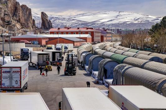 İhracat ürünleri Vandan demir yoluyla İrana gönderiliyor