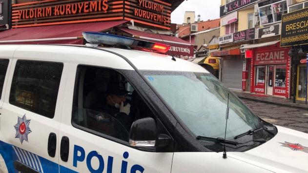 Edirnede sokaktaki 65 yaş üstü vatandaşlar uyarılarak evlerine gönderildi