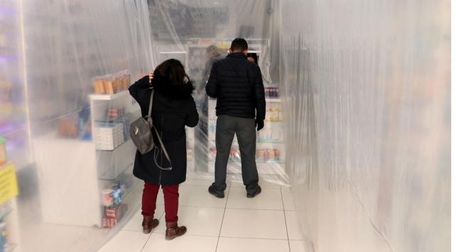 Eczacılardan koronavirüse brandalı önlem