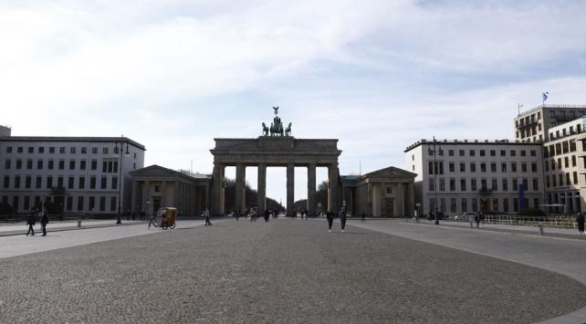 Almanyada koronavirüsten ölenlerin sayısı 111e çıktı