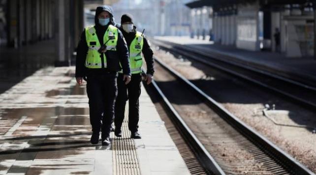 Ukraynada karantina nedeniyle toplu taşıma yasaklandı