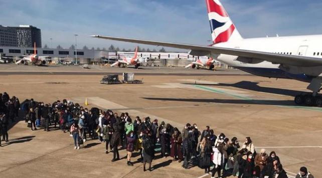 İngilteredeki öğrenciler Türkiyeye dönüyor