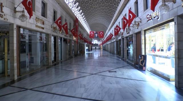Bursada tarihi Kapalı Çarşı geçici olarak kapatıldı