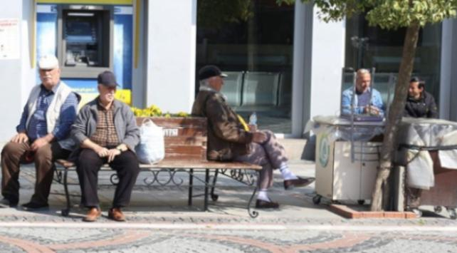 Sivasta sokağa çıkma yasağına uymayan 3 kişiye para cezası