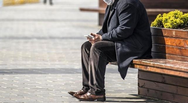 65 yaş üstü hangi şartlarda sokağa nasıl çıkabilir?
