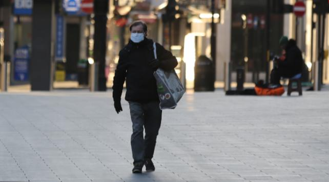 İngilterede yeni koronavirüs tedbirleri
