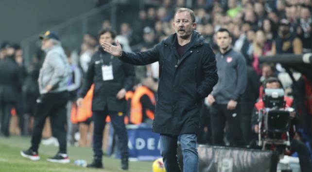 Beşiktaş futbol takımı koronavirüs testi yaptıracak