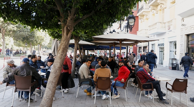 Tunusta sokağa çıkma yasağını ihlal eden 408 kişiye gözaltı
