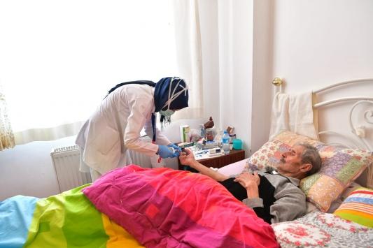 Mamak Belediyesi, evde sağlık hizmeti veriyor