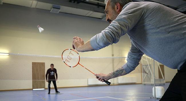 Badmintonu mahkumlara sevdiriyor