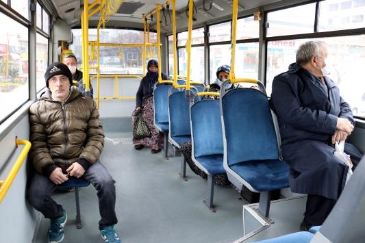 Yolcu otobüsleri kapasitelerinin yüzde 50si kadar yolcu taşımaya başladı