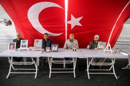 Diyarbakır annelerinin evlat nöbeti 204. gününde sürüyor