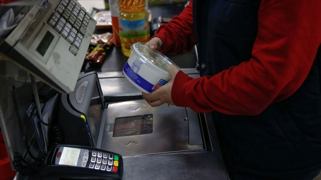 Egedeki marketlerde ek önlem: Kasiyerler paravanla korunacak