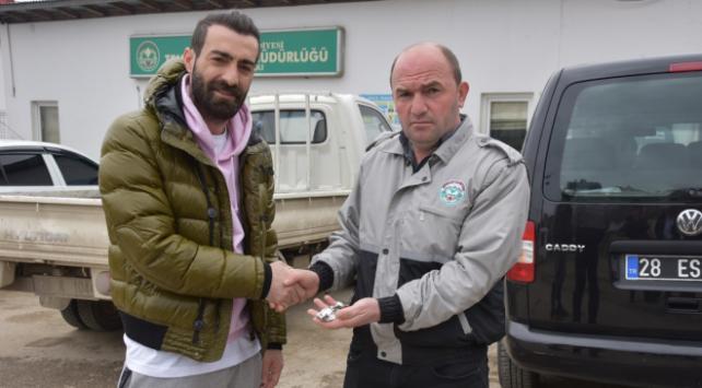 Eski futbolcunun 80 bin liralık saatini belediye işçileri buldu
