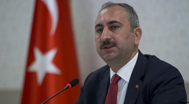 Adalet Bakanı Gülden yaşlılara saygı mesajı