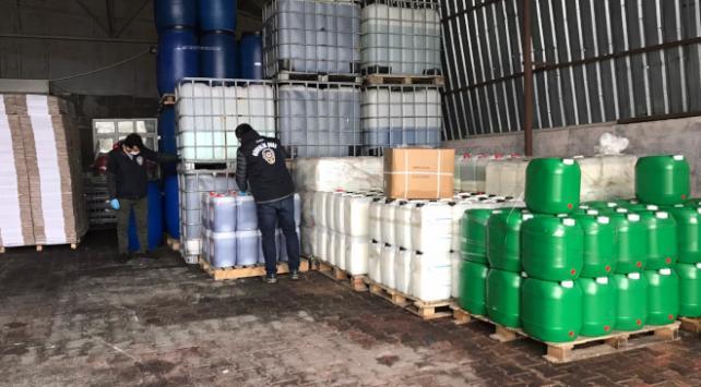 İstanbulda 2 ton sahte dezenfektan ele geçirildi