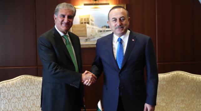 Bakan Çavuşoğlu Pakistanlı mevkidaşı ile görüştü