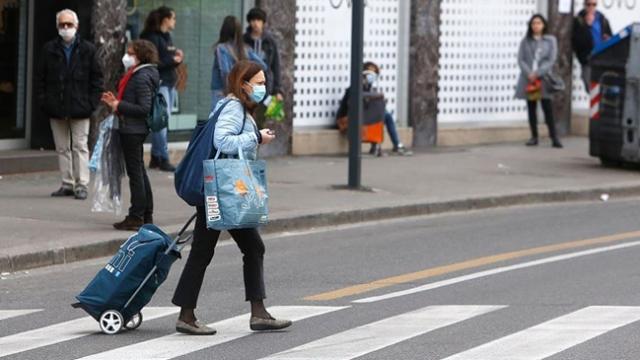 İtalya'da koronavirüs kronik hastalığı olanları vurdu