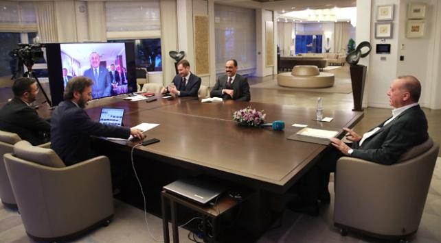 Cumhurbaşkanı Erdoğan, kabine üyeleriyle video konferansta görüştü