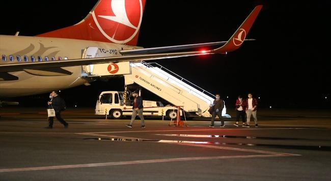 Sudan ve Mısırdaki Türk öğrenciler ve bazı aileler Sivasa getirildi
