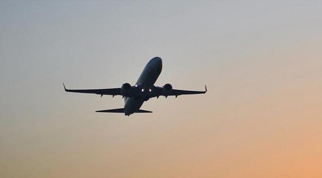 Koronavirüs önlemleri artırıldı, günlük uçuş sayısı yüzde 50 azaldı