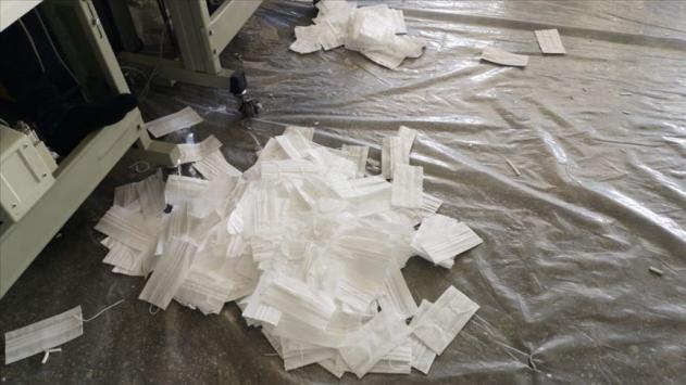 Sertifikasız maske üretilen adrese operasyon: 14 bin maske ele geçirildi