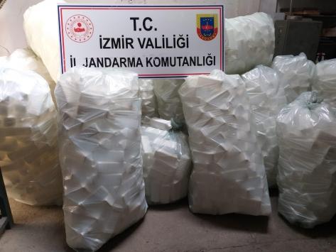 İzmirde 2 buçuk ton sahte dezenfektan ele geçirildi