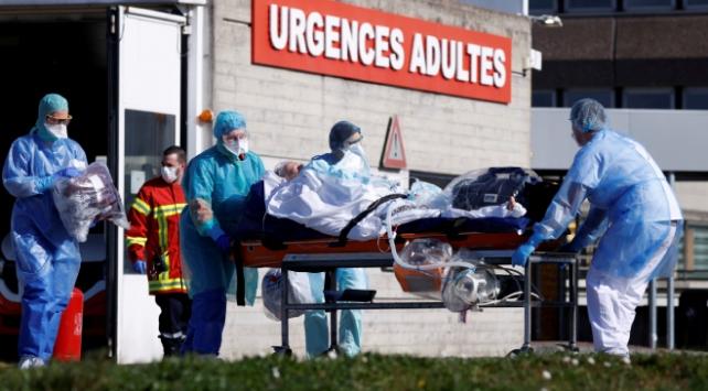 Fransada Covid-19dan ölenlerin yüzde 79u 75 yaş üzerinde