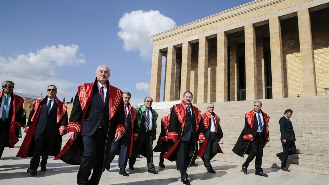 Yargıtay Başkanı Mehmet Akarca, Anıtkabiri ziyaret etti