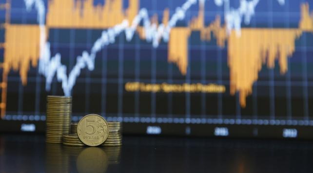 Rus rublesi Putinin konuşmasının ardından düşüşe geçti