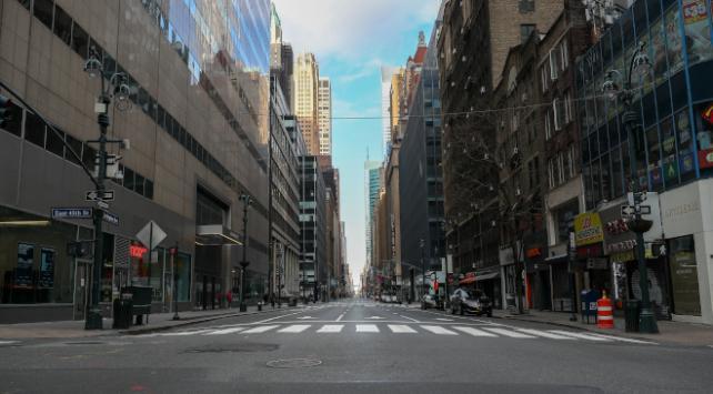 Koronavirüs nedeniyle New Yorkta bazı sokaklar trafiğe kapatılacak