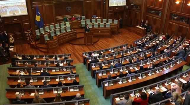 Kosovada koalisyon hükümetinin ömrü 2 ay sürdü