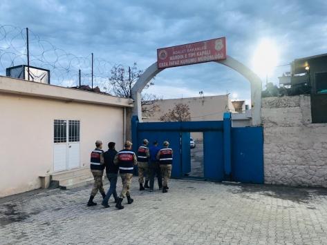 Mardinde PKK/PYDli 2 terörist tutuklandı