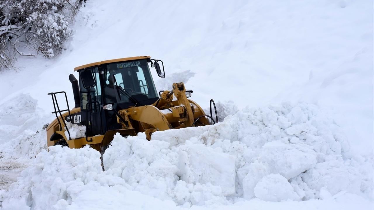 Kar kaplanları Muşta 3 ayda kilometrelerce yol kardan temizlendi