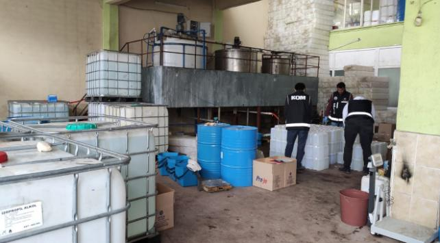 2 buçuk ton sahte dezenfektan ele geçirildi