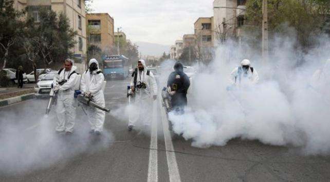 İran, salgına karşı 406 milyon liralık ekonomik destek paketi hazırladı