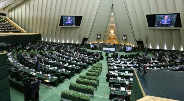 İran Meclisinde oturumlar 2 hafta ertelendi