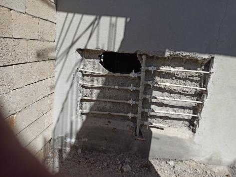 Adıyamanda eczanenin duvarını kırıp hırsızlık yaptıkları belirlenen 2 şüpheli tutuklandı