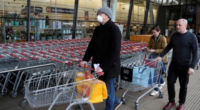 İngilterede koronavirüse yönelik önlemler artırılıyor