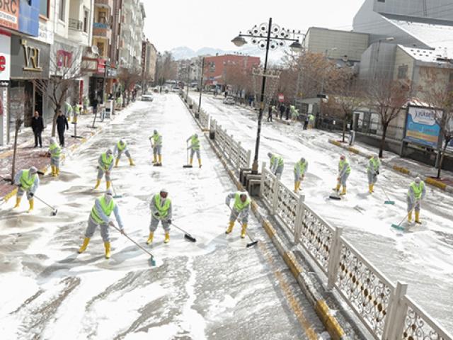 Vanda sokaklar böyle temizlendi