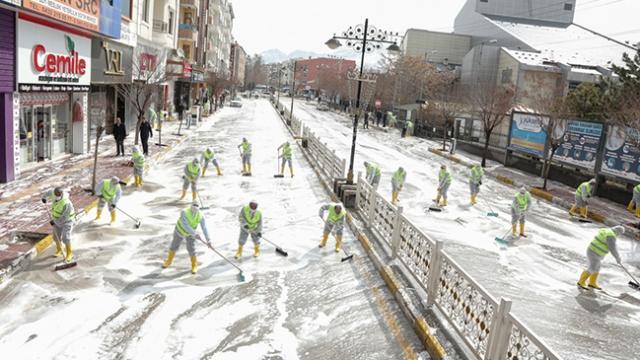 Van'da sokaklar böyle temizlendi